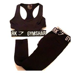 Gymshark Cropped Pants & Cut Out Bra